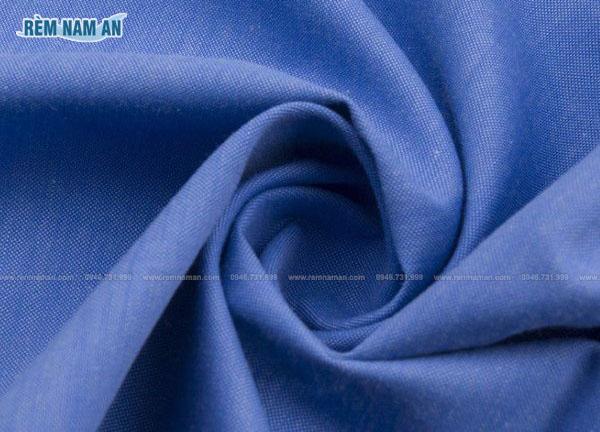 Chất liệu vải polyester làm rèm