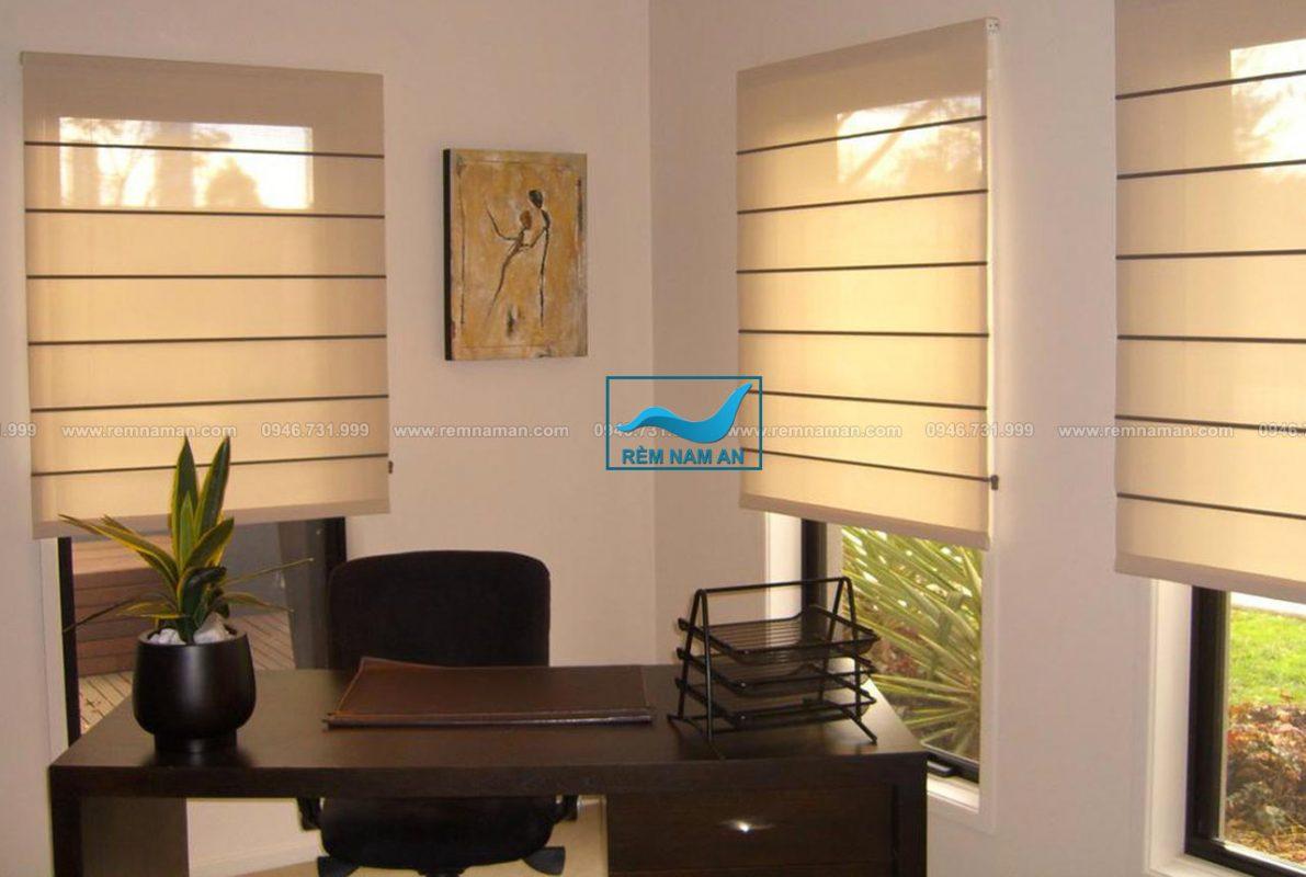 Rèm Roman cửa văn phòng làm việc