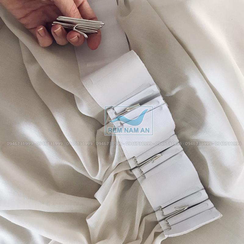 Cách làm rèm vải treo trần