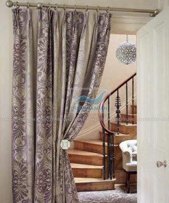 Rèm che cửa ra cầu thang bằng vải