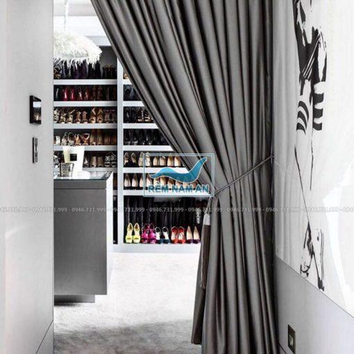 Rèm treo cửa buồng bằng vải màu ghi