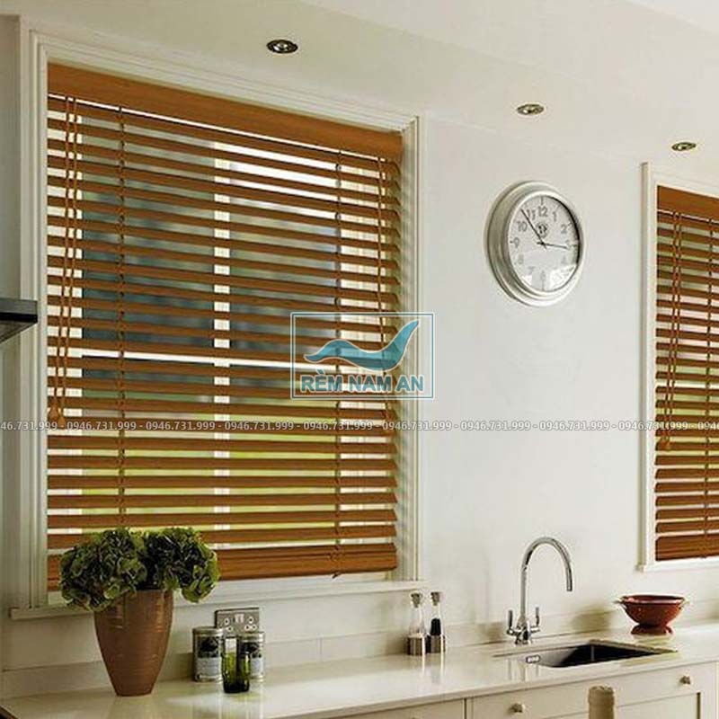 Rèm gỗ cửa sổ phòng bếp
