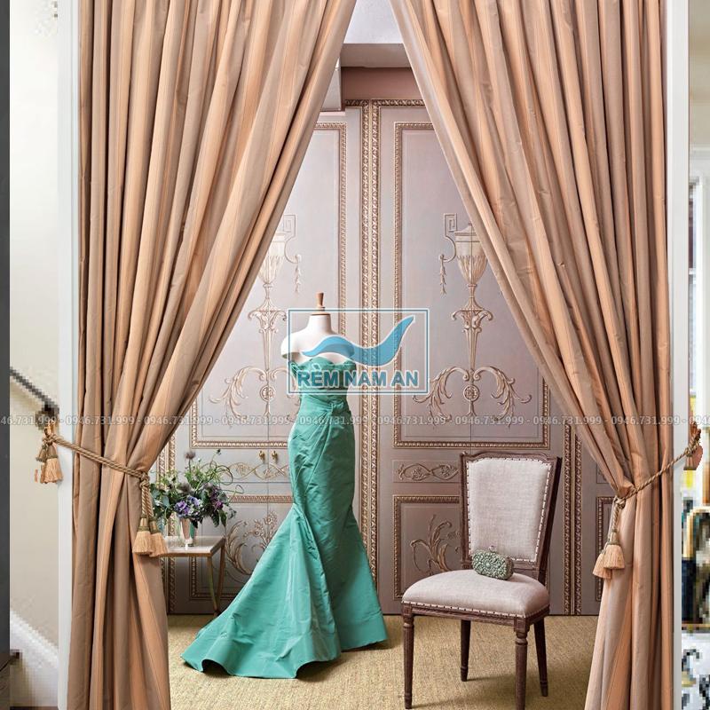Rèm treo cửa buồng bằng vải đẹp