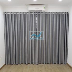 Rèm vải màu ghi xám cho cửa ban công