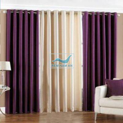 Rèm vải màu tím cửa ra vào