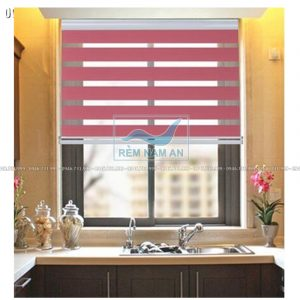 Rèm cầu vồng màu hồng cho cửa sổ bếp