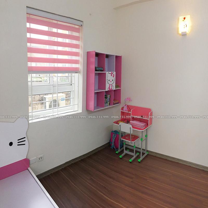 Rèm cầu vồng màu hồng cho cửa sổ phòng bé gái