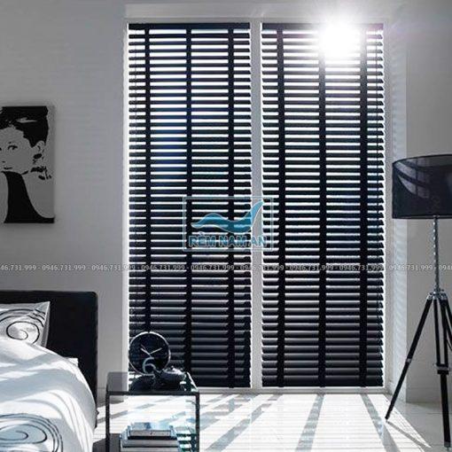 Rèm gỗ cửa chính phòng ngủ
