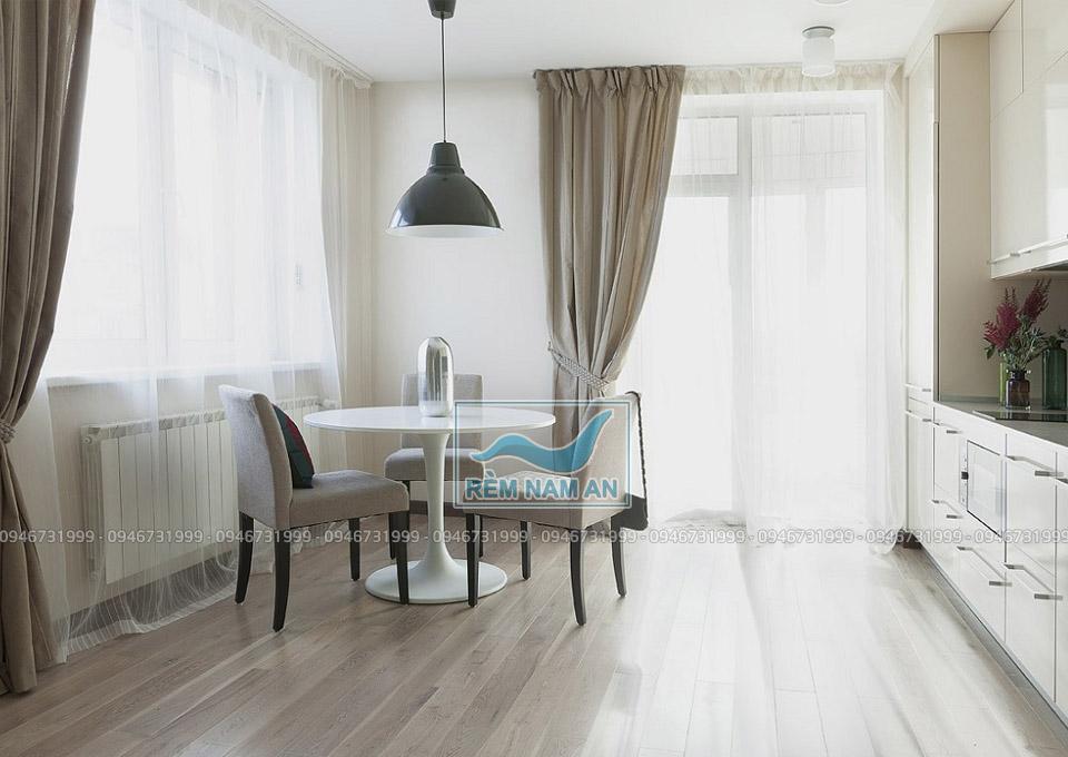 Rèm phòng khách liền bếp bằng vải cao cấp