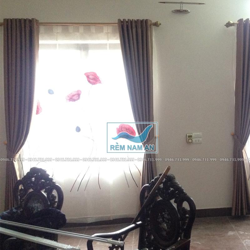Rèm vải treo cửa sổ phòng khách