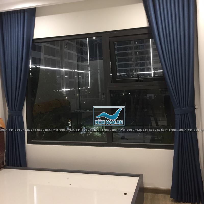 Rèm vải cửa sổ phòng ngủ vợ chồng màu xanh